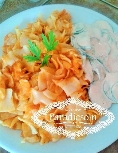 Krumplis tészta uborkával