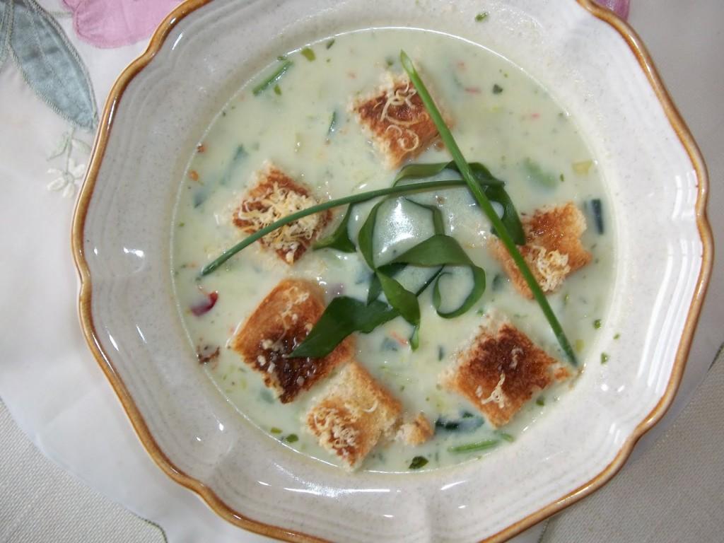Hagymakrém leves krutonnal