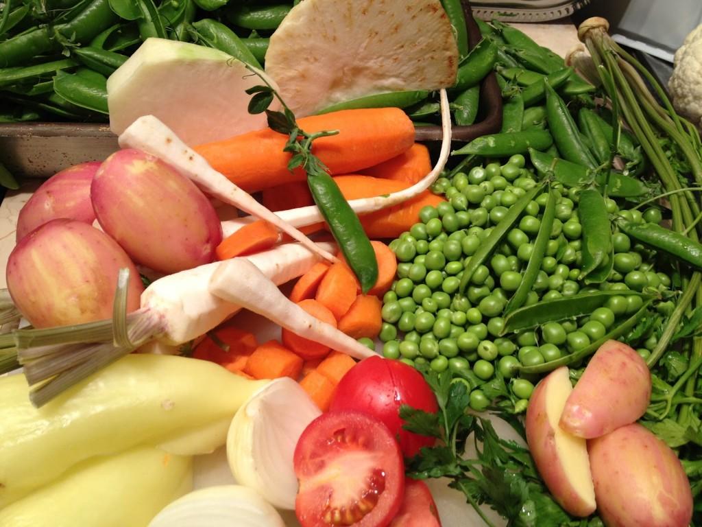 Újburgonyás tavaszi zöldségleves