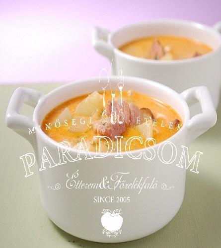 Újburgonyás tejfölös kolbászos leves